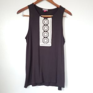 Vince camuto embroidered tank top